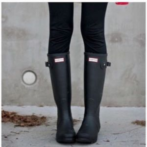 Hunter original black tall matte rain boots 7